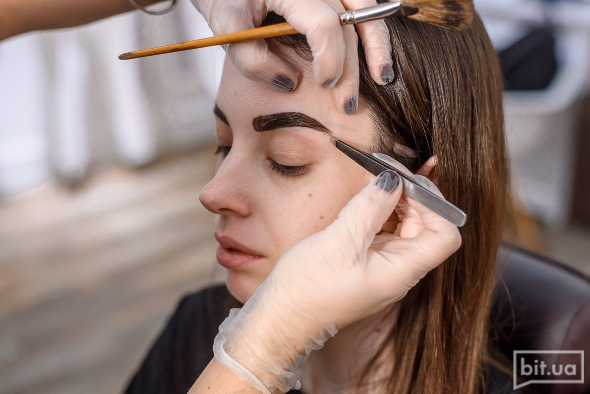 Different Eyebrow Treatments for Perfectly Defined Eyebrows